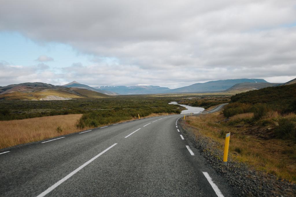 Landschaft um Hraunfossar
